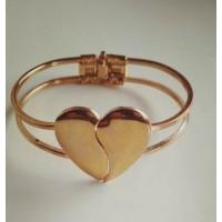 Золотистый браслет  в виде сердечка