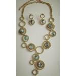Шикарное салатово-золотистое ожерелье с серьгами