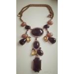 Стильное  и интересное  ожерелье, камни разных цветов