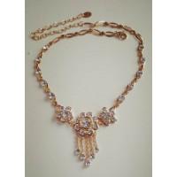 Золотое нарядное ожерелье