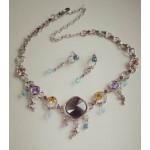 Нежное ожерелье и серьги