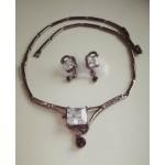 Стильный набор, серьги и  ожерелье с белыми фианитами