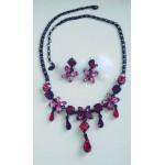 Набор украшений, серьги  и ожерелье, черный с  розовыми и малиновыми камнями