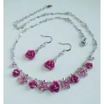 Цветочный серебристо-малиновый  набор бижутерии,   серьги  висульки с розочкой и колье