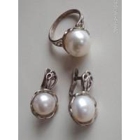 Набор в серебре, серьги и кольцо из  белого жемчуга, жемчуг натуральный