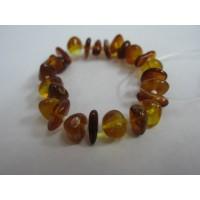 Браслет  детский  из янтарь  медового цвета, натуральный, на резинке