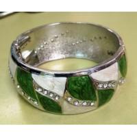 Браслет  круглый  серебристый  зелено-белый перламутровый с эмалью