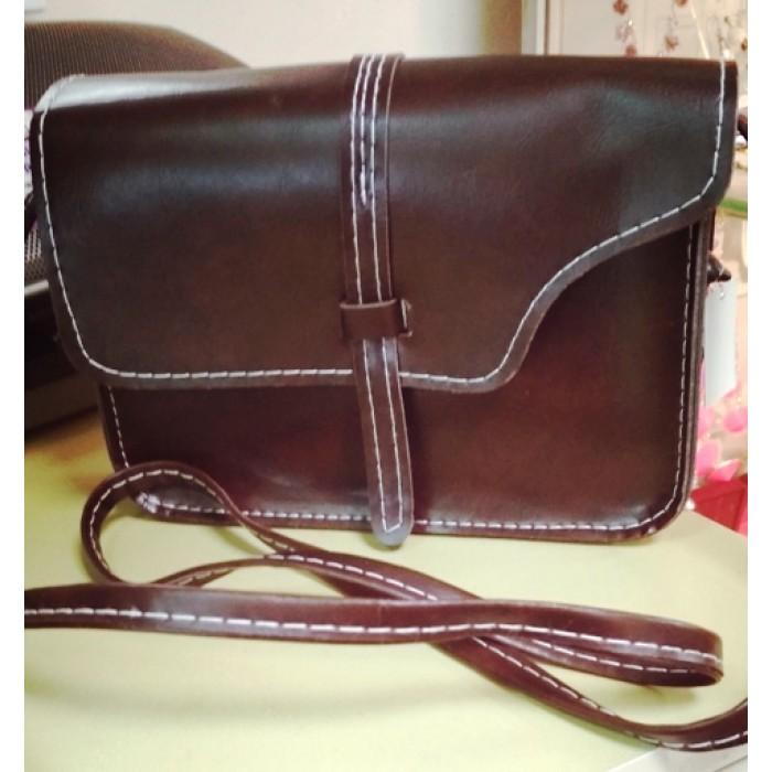 72bfd13e057c Женская маленькая сумочка, сумка мини для мелочей и телефона на длинном  тонком ремешке, коричневая