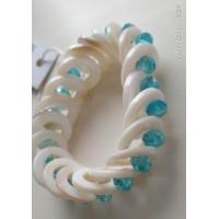 Браслет белый перламутр с голубыми кристаллами