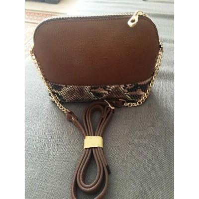 Женская сумка  кожаная под рептилию, кросс-боди коричневая