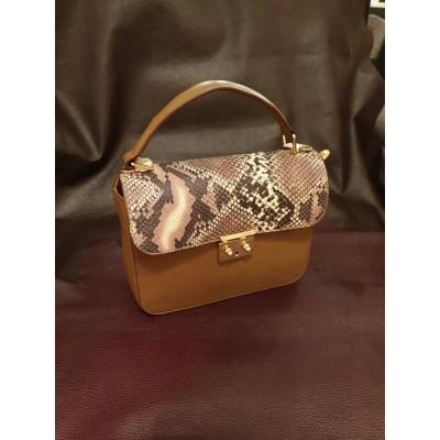 Женская кожаная сумка, бренд Karla Moon,  коричневая с цветным клапаном принт под змею