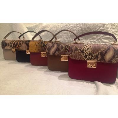 Женская кожаная сумка, бренд Karla Moon,  рыжая с цветным клапаном принт под змею